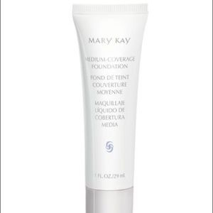 Mary Kay medium coverage beige 304 foundation